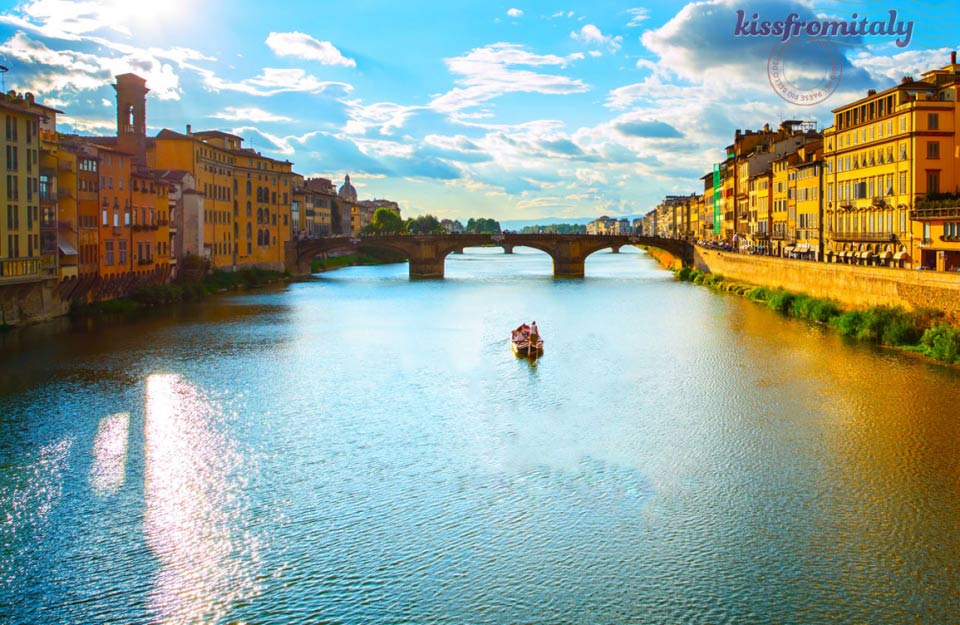 Italian Florence: Florence River Boat Tour - KissFromItaly